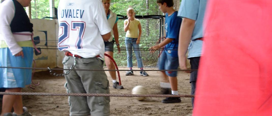 Baby Foot Géant - Activités - Camp de vacances et de plein air quatre saisons - Boute-en-Train