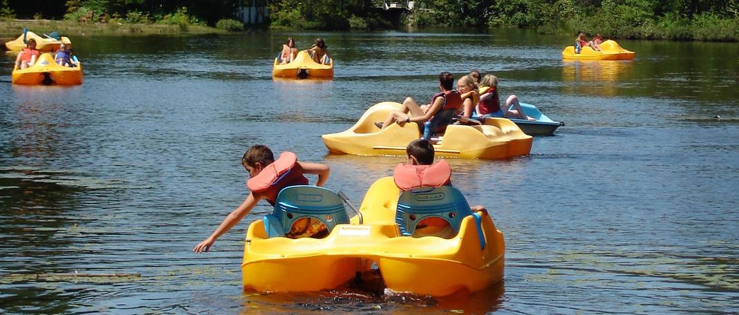 Pédalo - Activités- Camp de vacances et de plein air quatre saisons - Boute-en-Train